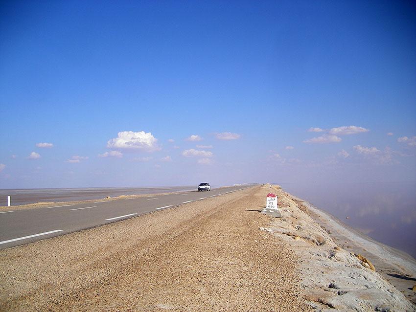 una rarità ... strada costruita senza tangenti Anas