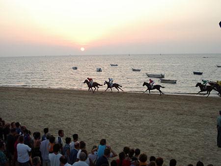 Sanlucar de Barrameda, corse dei cavalli sulla spiaggia...