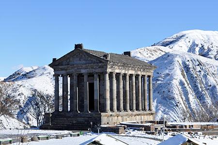 Armenia, tempio romano a Garni