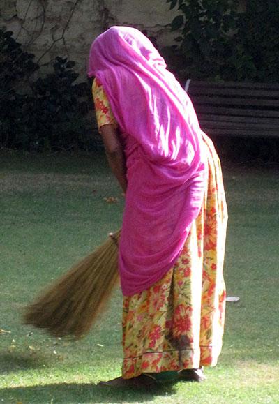 col donna pulizie elegante
