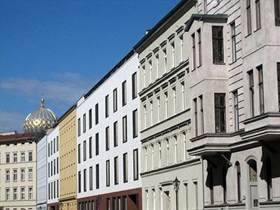 Berlino, ex quartiere ebraico, ex zona sovietica, sullo sfondo cupola della sinagoga