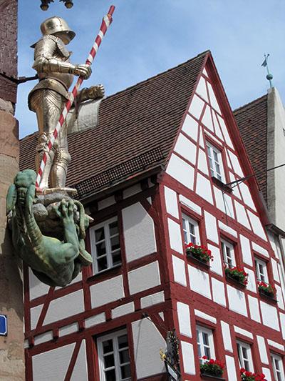 Norimberga, più gotica non si può (mica x niente i Nazi....)