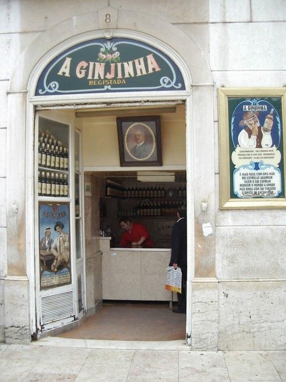 Bar della Ginjinha a Lisbona