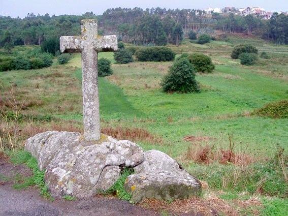 Gondomil, Serpente Piumato su croce