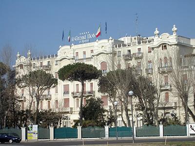 Il felliniano Grand Hotel di Rimini (Remmin in romagnolo....)