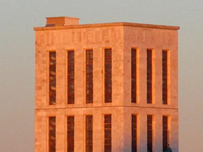 Milano, palazzo di Giustizia (architettura 'fasista'.... come la Cit...)....