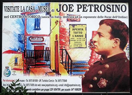Joe Petrosino, lui, certe cazzate non le avrebbe mai fatte .... (in copertina, Gandhi, Mahatma, Grande Anima ... mah...)