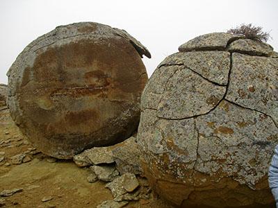 kaz 47 colle pietre rotonde 1