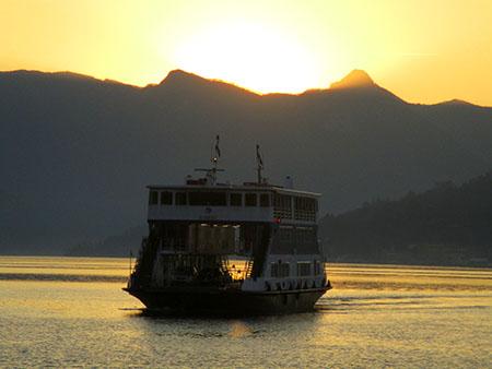 Varenna, in arrivo il traghetto del lago di Como