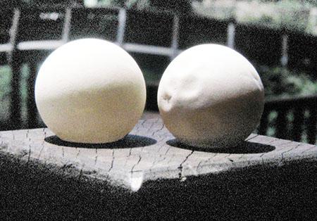 Uova della Leather Turtle assai ricercate sulle coste della Malesia in quanto ritenute afrodisiache dai machos di Kuala Lumpur.