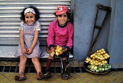 Asunciòn ... sfortunati e poveri, eppur sorridono (meravigliosi non meno che toccanti....)