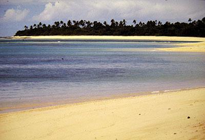 """Spiaggia di Haapai, vi sbarcarono quelli del """"Bounty""""...."""