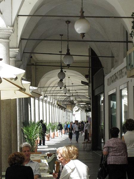 Novara, portici