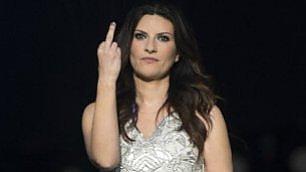 E' sempre la Laura Pasini col suo ispirato dito medio.... (pubblicato a gentile richiesta)