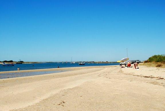 Portogallo, spiaggia a Tavira (in hp la spiaggia sarda di Piscinas) avete presente Fiumicino o Rèmmin/Rimini a Ferragosto?.....