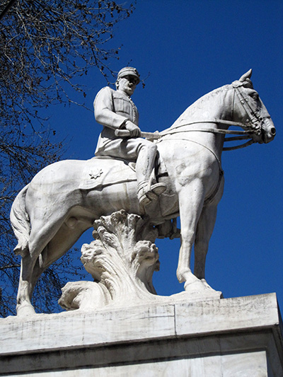 Salonicco, monumento 'sostenuto'.....