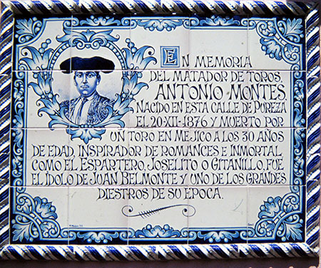 Sevilla, Calle Pureza, vi abitò un famoso torero....